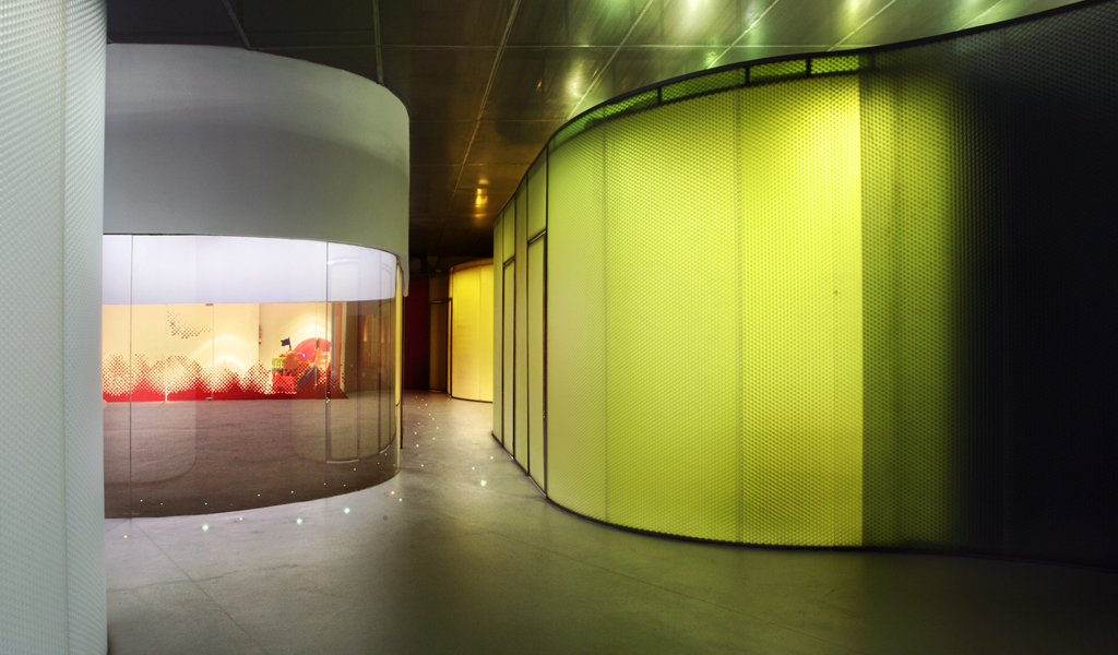CURVED PANELITE WALLS CREATE A CHILDREN\'S SPACE DEFINED BY LIGHT AND ...