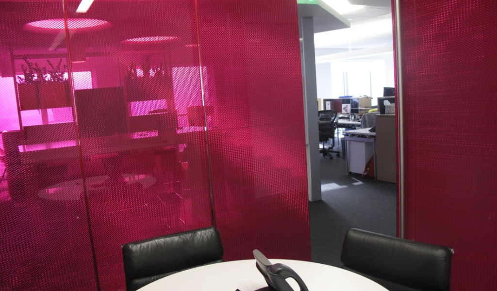 Panelite panels provide dynamic views and privacy for breakout room | PRODUCT: B-TCVT
