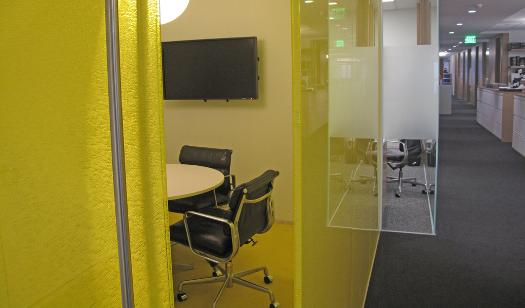 Privacy from close distance makes honeycomb core panels ideal for group work spaces