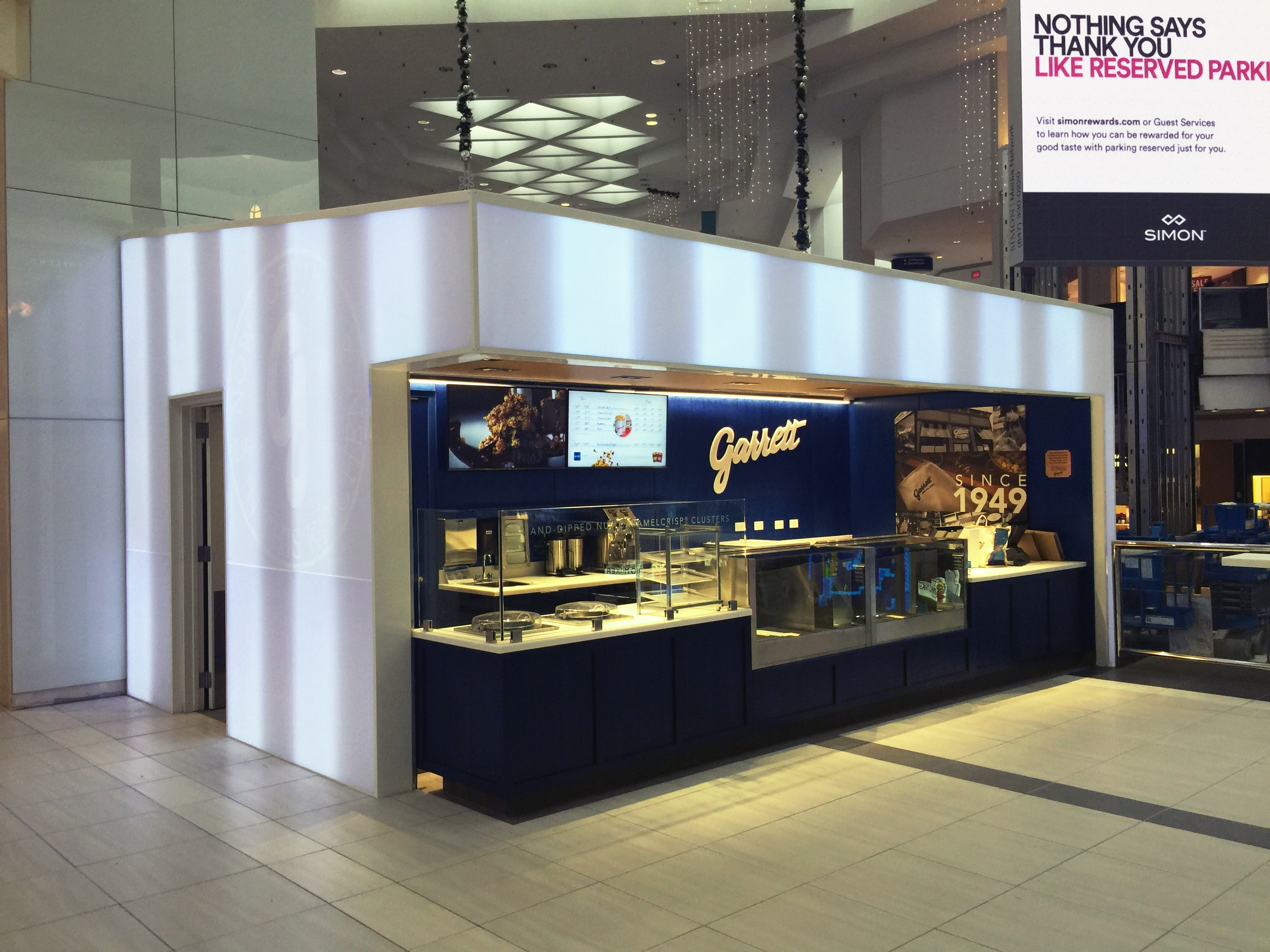Panelite Translucent Honeycomb Panels Backlit Partitions Exhibit Booth Garrett Popcorn Shops quick to install 2
